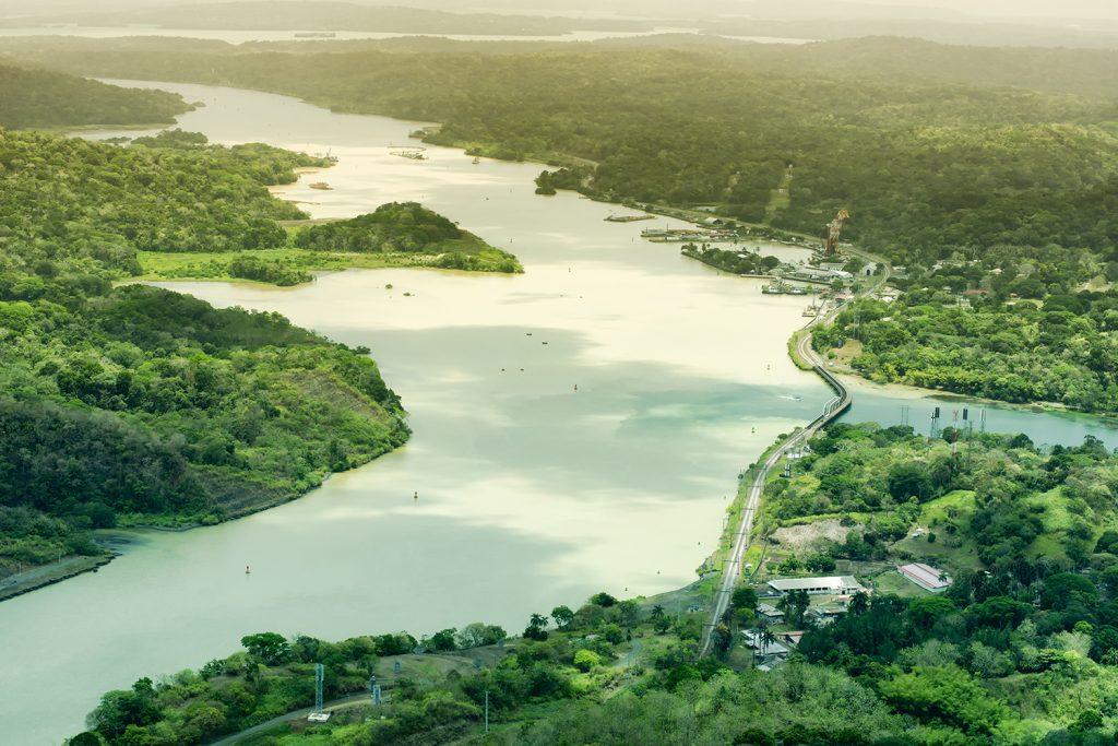 Landausflug Holland America Line: Kajak fahren auf dem Panamakanal