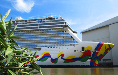 Die Norwegian Encore, Norwegian Cruise Line, in der Meyer Werft in Papenburg