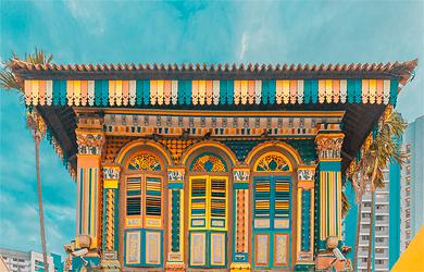 Farbenfrohe Fassaden finden Besucher in Little India häufig
