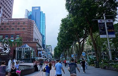 Orchard Road - die Einkaufsmeile Singapurs / Foto: J. Rollfinke