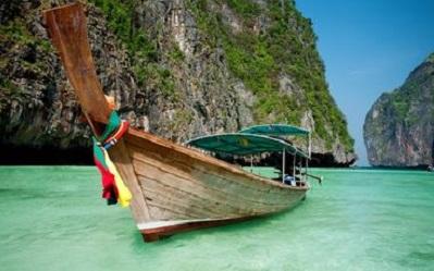 Traumhafte Bucht in Phuket - ein Besuch zählt zu den Kreuzfahrt-Ideen schlechthin