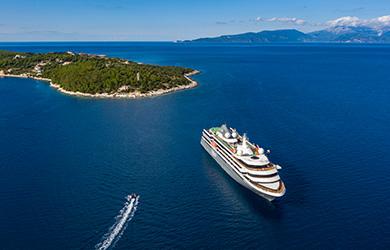 Nicko Cruises World Voyager
