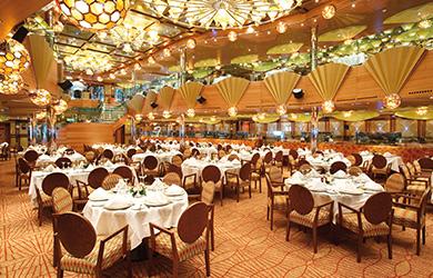 Costa Luminosa Restaurant Service am Platz
