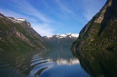 Geirangerfjord1-teaser
